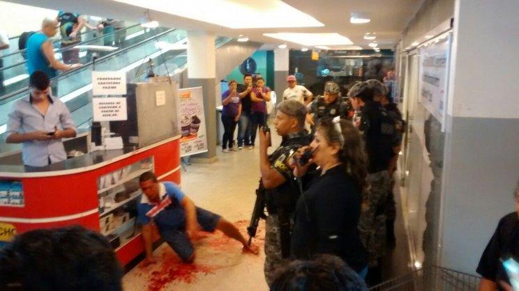 Tiros dento de supermercado DB deixa um homem ferido