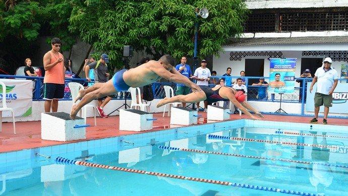 Mestres da natação competem neste sábado (30) na Aquática Amazonas