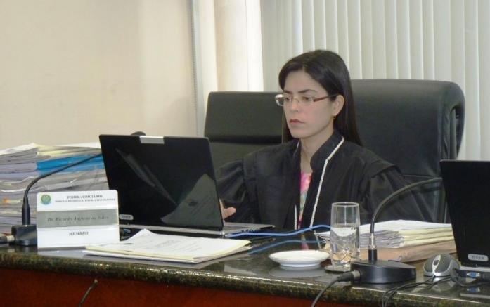 Processo de cassação do governador José Melo é retirado da pauta no TRE