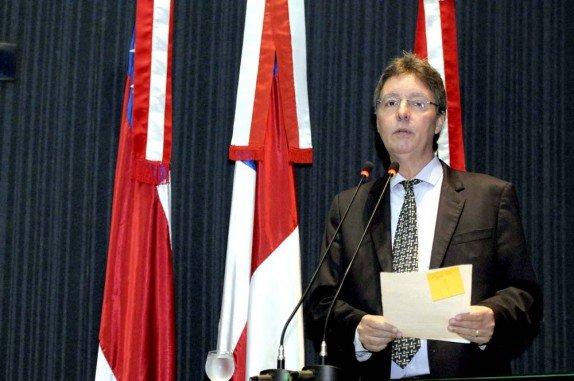 Luiz Castro realizará audiência pública para discutir o desmonte da Saúde no AM