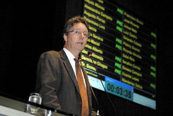 Luiz Castro defende pacto para Estado poder cobrar dívida ativa