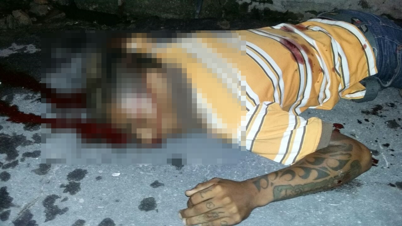 Rapaz e morto com 4 tiros no Jorge Teixeira