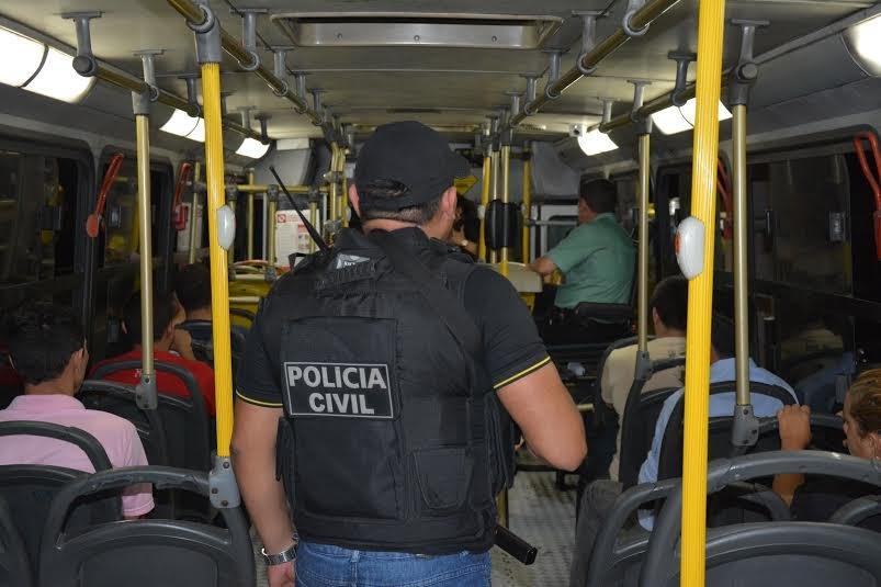 SSP-AM realiza operação para coibir assaltos  dentro de ônibus nas zonas Oeste e Centro-Oeste