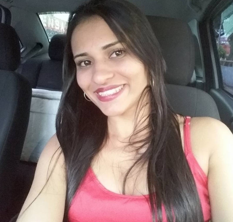 Assistente social morre atingida por um tiro durante perseguição policial a assaltantes