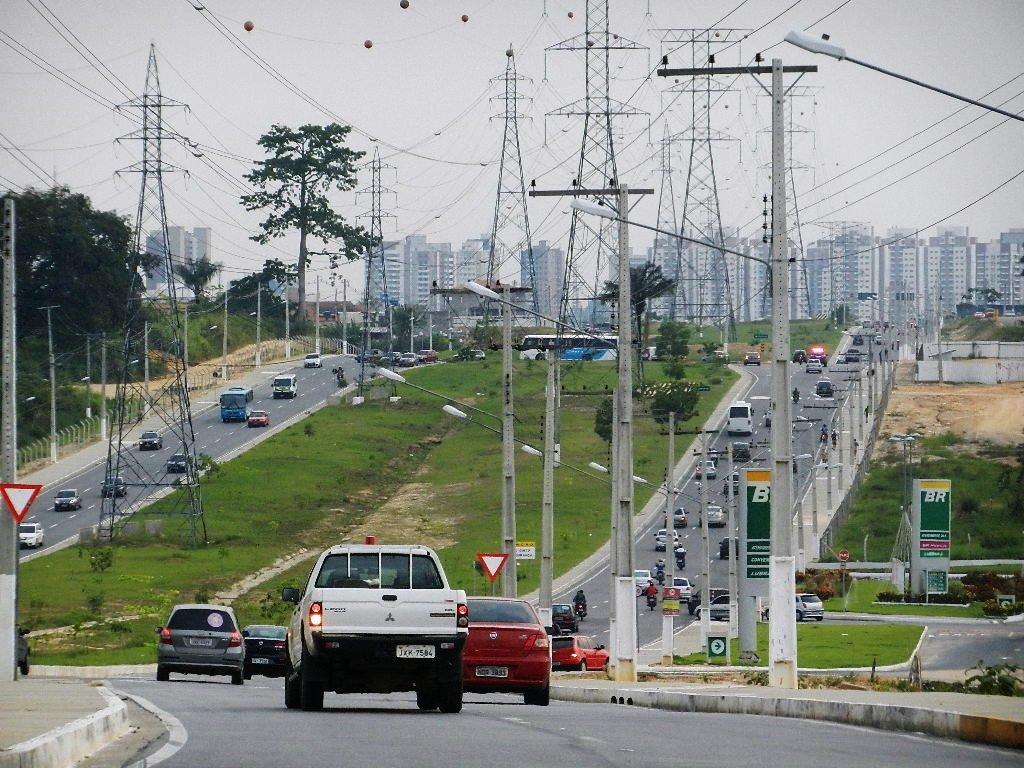 Semáforo é implantado na Avenida das Torres