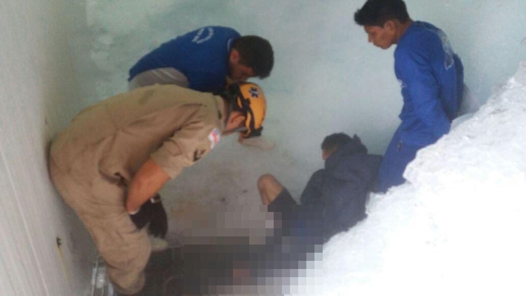 Homem tem perna dilacerada em maquina de gelo em Manaus