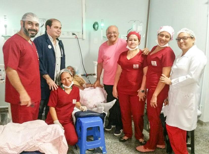 Governador José Melo visita pacientes renais crônicos do Hospital Adriano Jorge e destaca as melhorias para a unidade em 2017