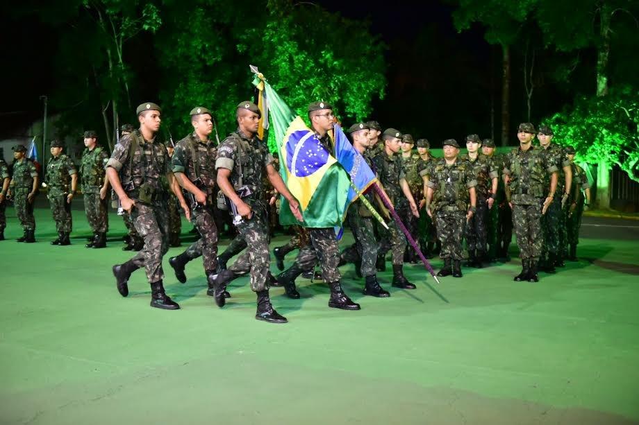 Governador José Melo ressalta importância das Forças Armadas durante passagem de comando do Cigs