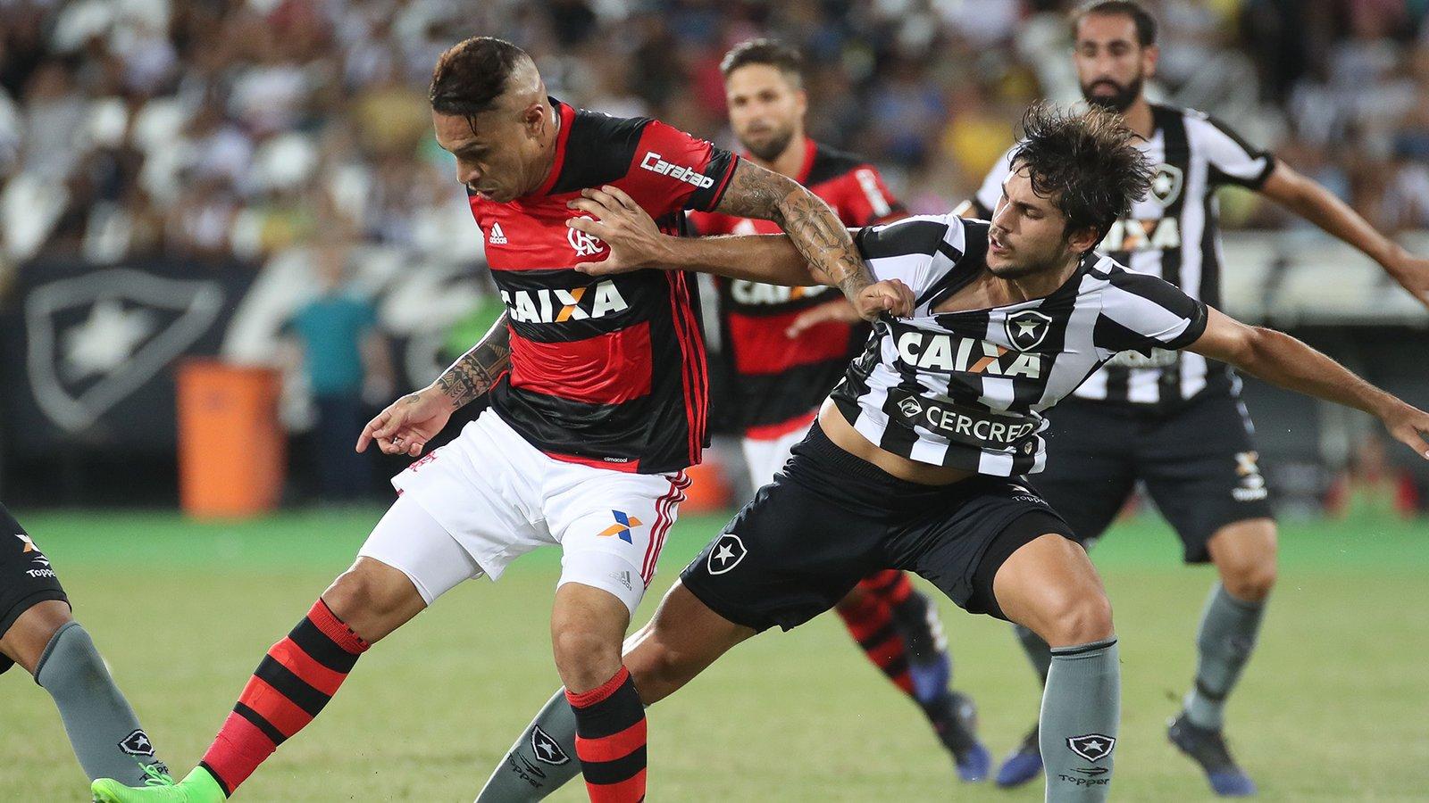 Em clássico com tensão e violência, Flamengo vence Botafogo, garante vaga na semi e elimina rival