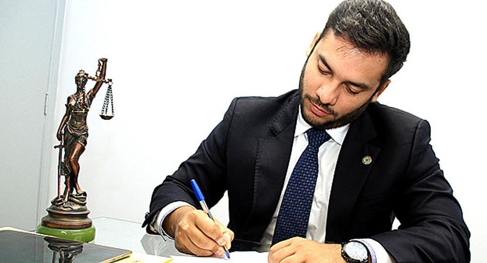 Platiny Soares vai presidir comissão que revisará a Constituição Estadual