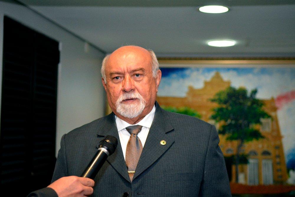 Belarmino Lins apela a David Almeida por inauguração de novo prédio da UEA em Jutaí