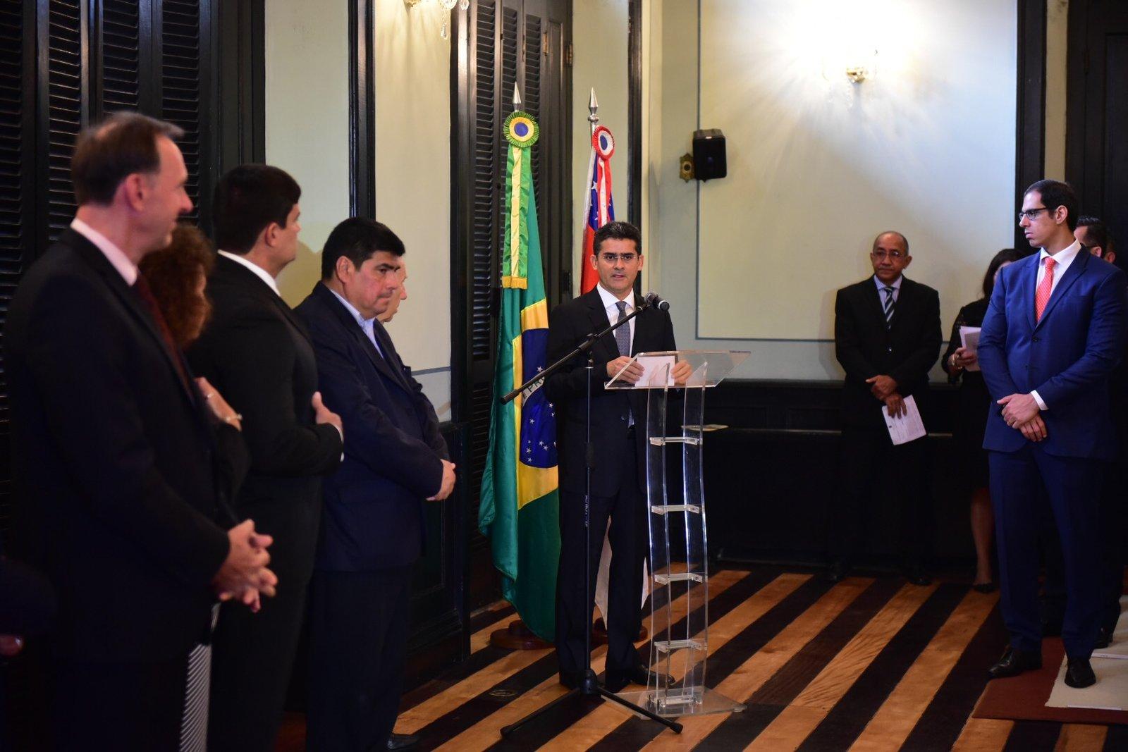 Governador fala de dias melhores para o Amazonas em Solenidade de Cumprimento a Corpo Consular