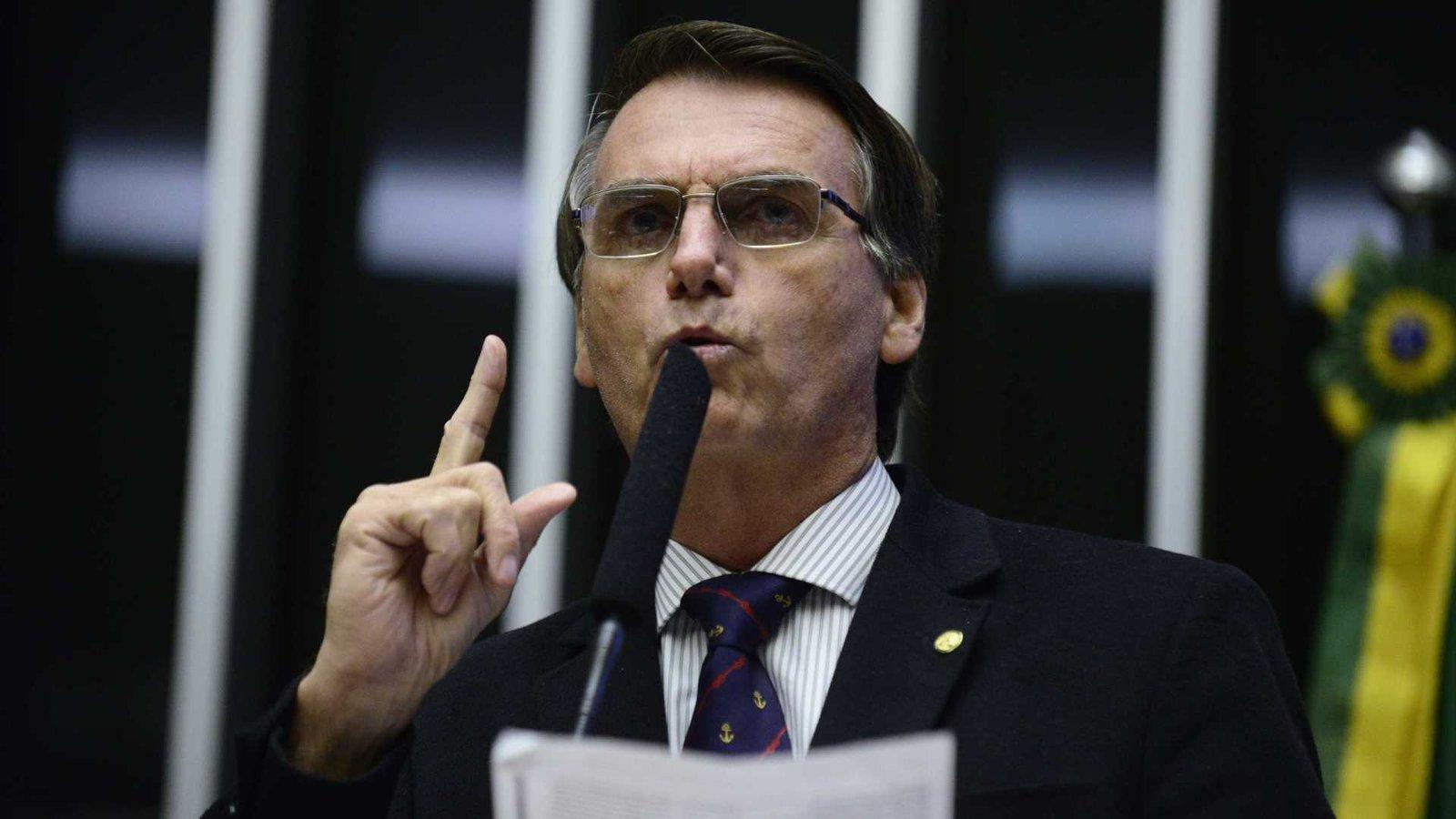 Bolsonaro diz estar sendo vítima de assassinato de reputação