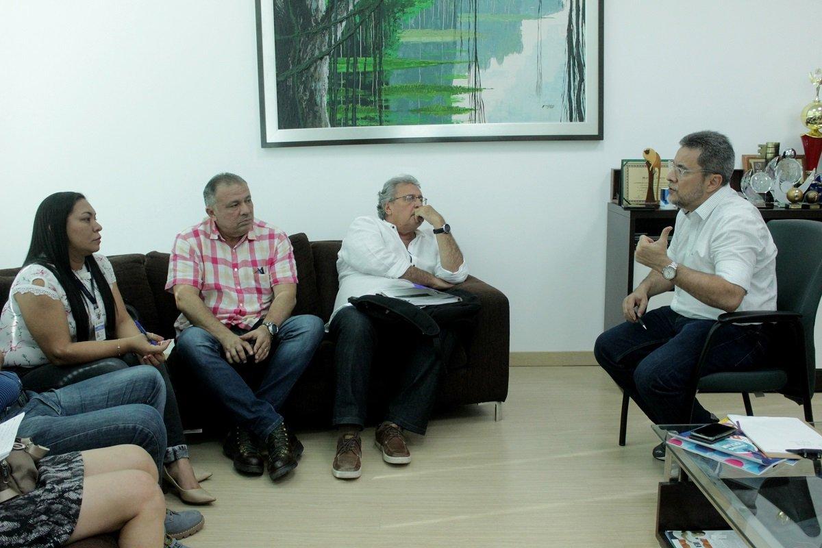 Seinfra e UEA firmam parceria para analisar solo antes do início de obras