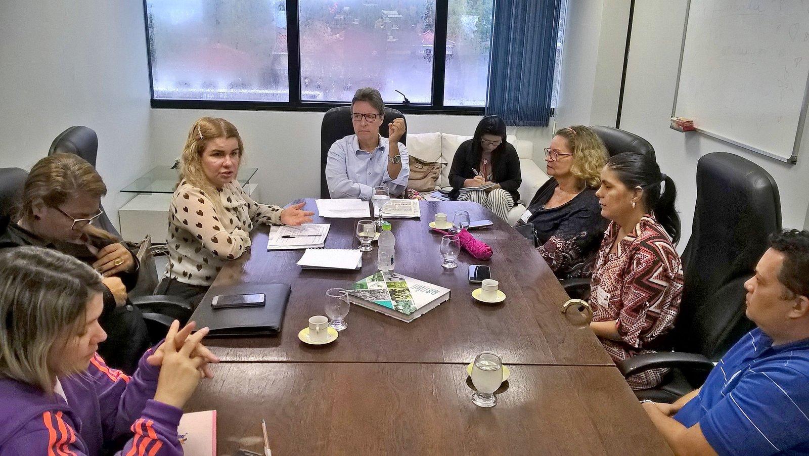 Luiz Castro apoia a luta dos concursados da Susam