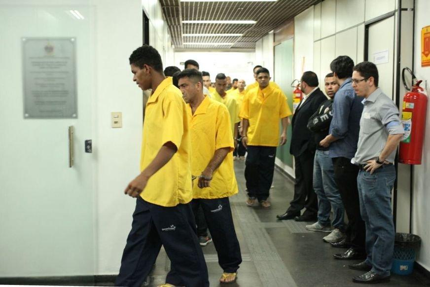 Mais de 1.5 mil presos são soltos e serão monitorados por tornozeleiras eletrônicas em Manaus