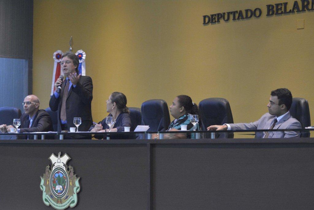 Luiz Castro alerta Unicef para a violação dos direitos de crianças e adolescentes