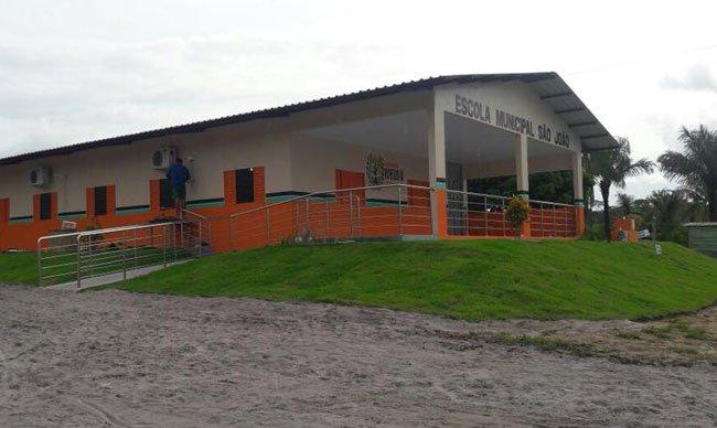 Prefeito de Rio Preto inaugura mais uma escola no município