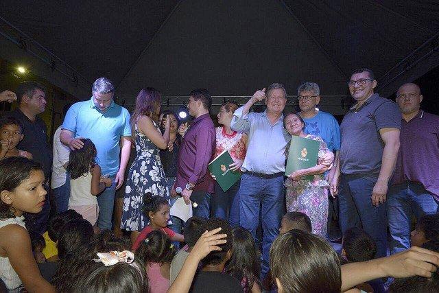 Prefeito concede isenção de impostos municipais para moradores do Residencial Cidadão Manauara 1