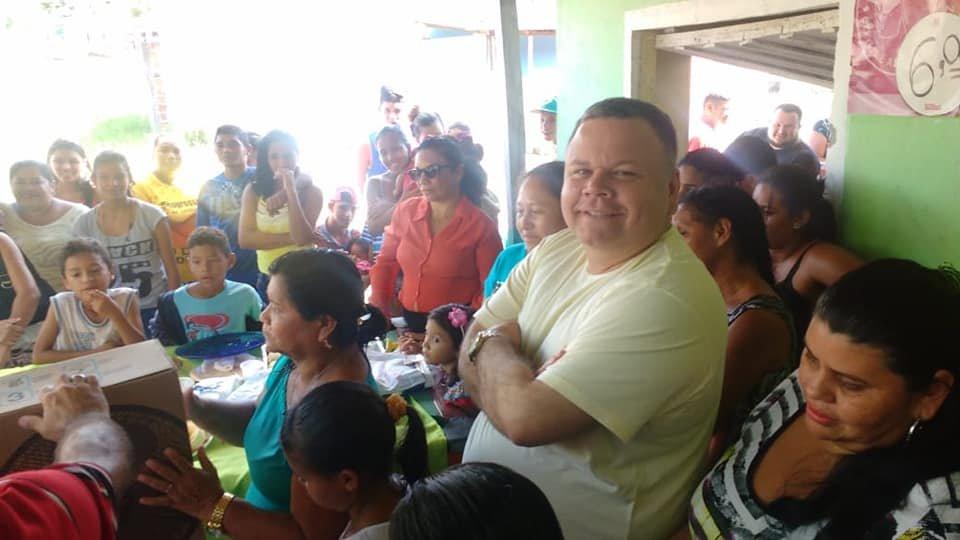 Rodolfo Marinho participa de homenagem ao Dia das Mães, no bairro Lagoa Azul.