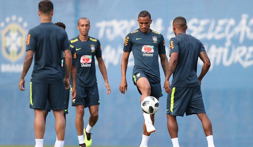 """Seleção vai viver """"dia sem noite"""" em São Petersburgo antes da partida contra a Costa Rica"""