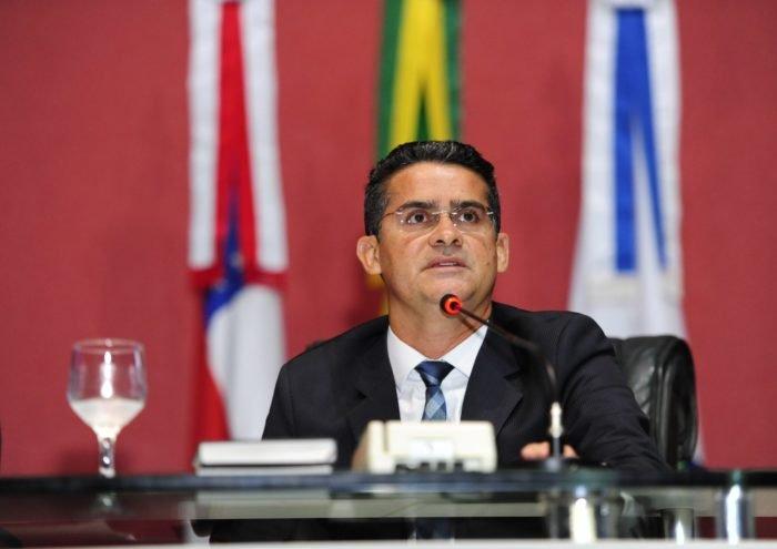 Aleam ingressa com mandado de segurança contra Amazonino Mendes