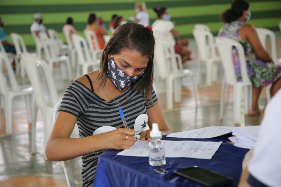 Governo do Amazonas, por meio do FPS, entrega R$ 160 mil em financiamentos no município de Novo Airão