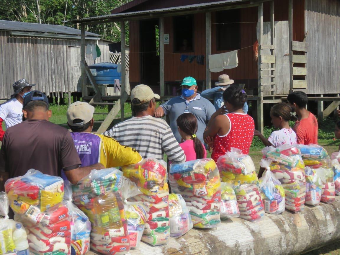 Ação social leva mais de 290 cestas básicas para 35 comunidades da Reserva Extrativista Canutama