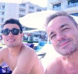 Thiago Salvático relembra primeira foto ao lado de Gugu Liberato e se declara: Te amo eternamente
