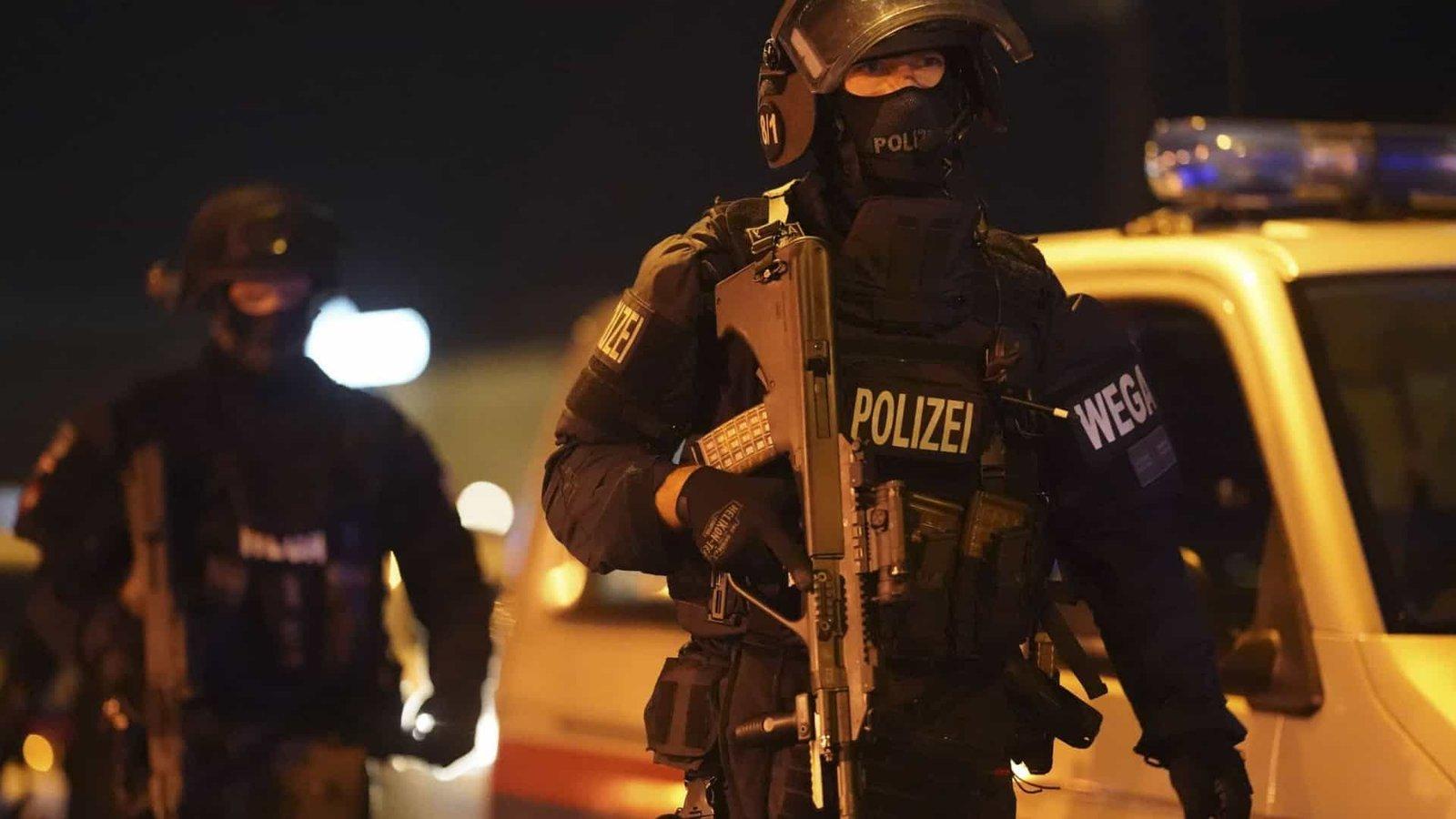 Noite de terror em Viena, deixa população em pânico