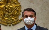 Bolsonaro sobre vacina: Tem que ser certificada; não sabemos efeitos colaterais